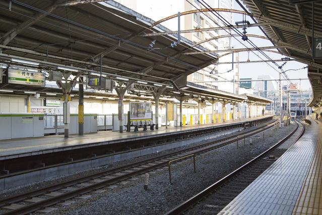 代々木駅構内 image
