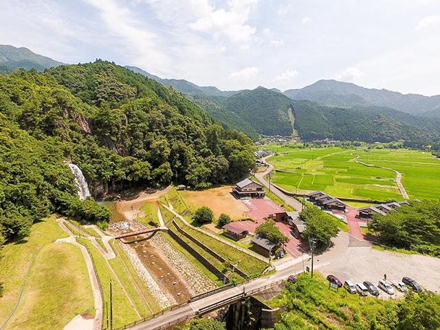 紀宝町飛雪の滝キャンプ場 image
