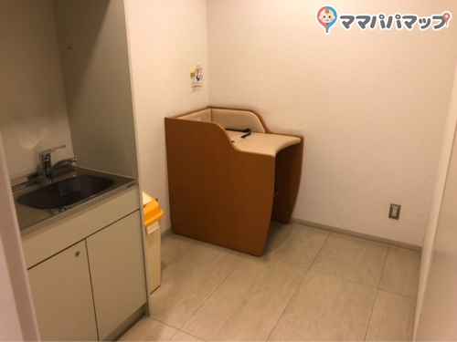 新宿フロントタワー(3階)