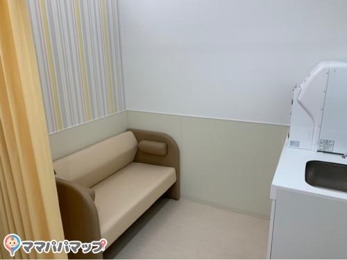 トヨタ西東京カローラ株式会社 桜ヶ丘店(1F)