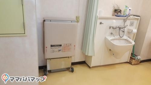 東日暮里ふれあい館(1F 多機能トイレ)