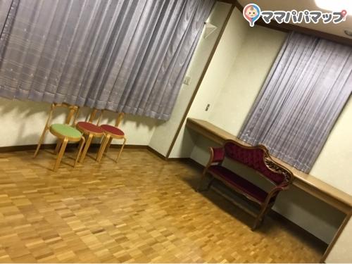 江東区立深川図書館(1F)