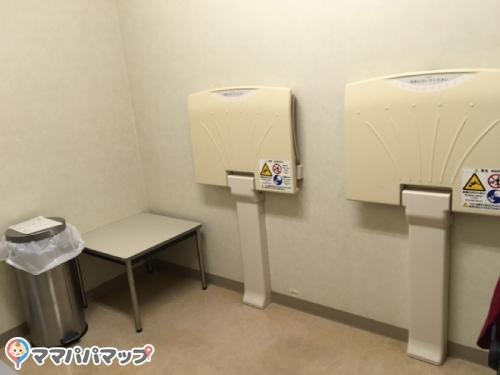近畿大学医学部奈良病院(2F ベビーシート)