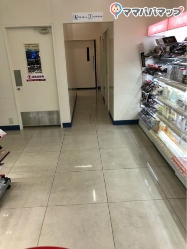 ファミリーマートドラッグエース川越的場店(1F)