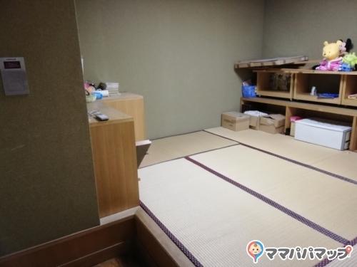 港区立三田図書館(3F)