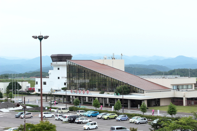 石見空港 image